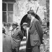 Capitini, Emma Thomas e altri in campagna; congresso vegetariano 1953